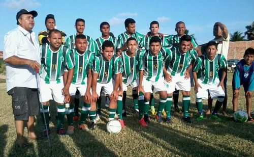 Time-do-tecnico-cego-com-novos-uniformes-1